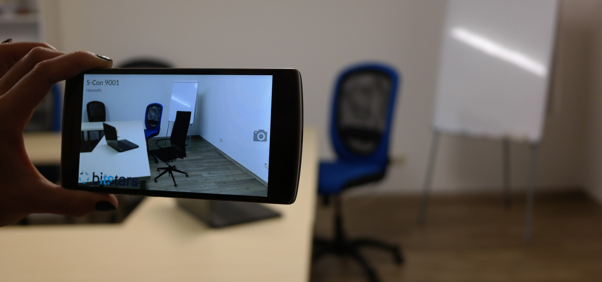 Office arrangement with virtually integrated office chair as commerce solution